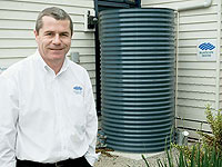 Darren Howse with a WATERPOINT CLASSIC® tank in Melbourne Victoria