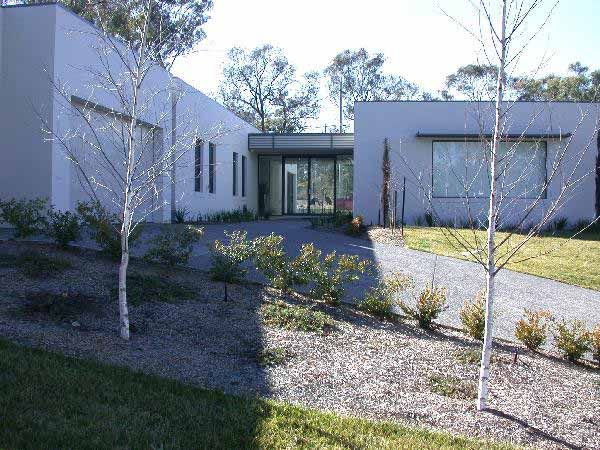 The award winning house in campbell features an ultra for Colorbond home designs
