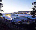 The A$13.5 million Hobart Aquatic Centre features a design incorporating curved roof forms in LYSAGHT SPANDEK HI-TEN® made from COLORBOND® steel